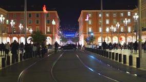 Nice Frankrike - November 4, 2018 - Massena fyrkant med folkmassor av folk på gatan stock video