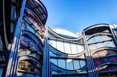 Nice Frankrike - Oktober 17, 2011: Arkitektonisk detalj av museet av samtida konst arkivbild