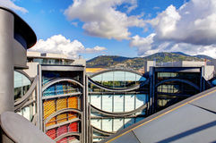 Nice Frankrike - Oktober 17, 2011: Arkitektonisk detalj av museet av samtida konst Royaltyfria Bilder