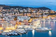 Nice Frankrike på skymning Arkivfoto