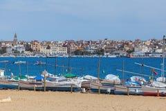 Nice tyst sjösidaby Palamos av spanjor fotografering för bildbyråer