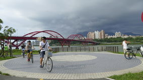 Nice view of Taipei Central River bike path, Taiwan Stock Photography