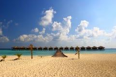 NICE WATER  VILAS IN INDIAN OCEAN. BEAUTIFUL BEACH WITH PALM TREE IN INDIAN OCEAN, MALDIVE ISLAND, FILITEYO Stock Images