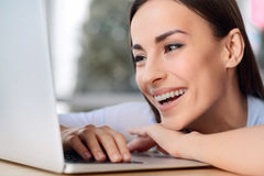 Nice woman working on the laptop Royalty Free Stock Photos
