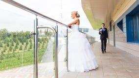 Nice young wedding couple outdoors Royalty Free Stock Photos