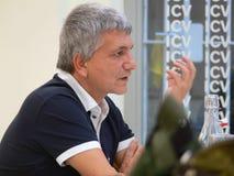 Nichi Vendola wird ein Vater Stockbilder