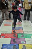 Nicht identifizierte Kinder am Feiertag in der Stadt von La Paz Lizenzfreie Stockfotografie