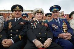 Nicht identifizierte lächelnde Weltkriegveterane Stockfotografie