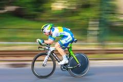 Nicht identifizierter Teilnehmer der 70. Polen-Rundfahrt, die 7. Etappenrennen in Krakau, Polen radfährt Stockfotografie