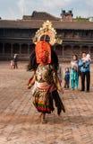 Nicht identifiziertes Lama führen einen Kulttanz durch, der Bhairav-Tanz genannt wird Lizenzfreie Stockfotos