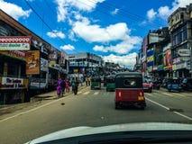 Nicht-touristy Stadt in Sri Lanka lizenzfreies stockfoto
