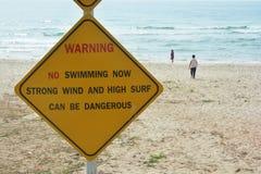 Nicht tun schwimmendes Zeichen Lizenzfreie Stockbilder
