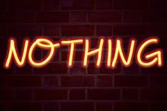 Nichts Leuchtreklame auf Backsteinmauerhintergrund Leuchtstoffneonröhre-Zeichen auf Maurerarbeit Geschäftskonzept für Widerspruch lizenzfreies stockfoto