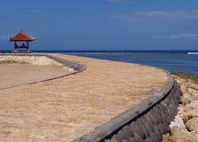 Nichtstuer durch den Strand Stockfotos