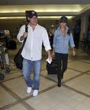 Nick Lachey con la novia Vanesa Manillo en LAX Fotografía de archivo