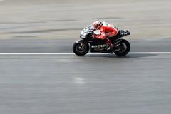 Nicky Hayden av det Ducati laget Royaltyfri Fotografi