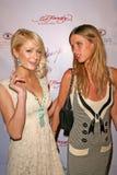 Nicky Hilton, París Hilton Imagen de archivo