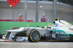 Nico Rosberg racing in F1 Singapore GP Stock Photography