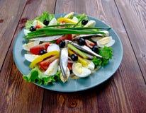 Nicoise-Salat mit Sardellen Stockfotografie