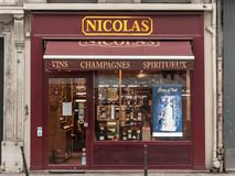Nicolas logo na ich sklepie na Ruty De Rivoli alei Nicolas jest Francuskiego wina detalistą ustanawiającym na całym świecie obrazy royalty free