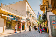 NICOSIA - APRIL 13: Ledrastraat, een belangrijke het winkelen doorgang in centraal Nicosia op 13 April, 2015 Royalty-vrije Stock Fotografie
