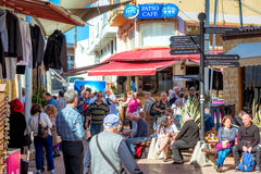 NICOSIE, CHYPRE - 24 MARS 2017 : Signe de touristes près de Lokmaci/Ledr Image libre de droits