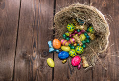 Nid avec des bonbons à Pâques Photographie stock