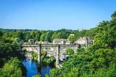 铁路高架桥看法在河Nidd, Knaresborogh的 免版税库存照片