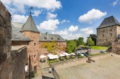 Nideggen slottdomstol i Tyskland, ledare royaltyfri bild