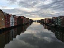 Nidelva河,特隆赫姆,挪威 库存图片