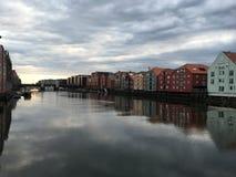 Nidelva河,特隆赫姆,挪威 库存照片