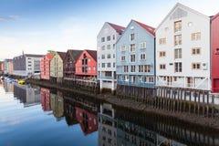 Nidelva-Flussküste Trondheim, Norwegen Stockbild