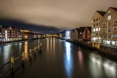 Nidelva rzeka w nocy fotografia royalty free