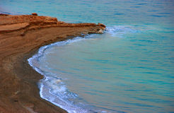 Nieżywego morza linia brzegowa Fotografia Royalty Free
