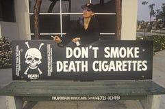 Nie no Dymi Papierosu Śmiertelnego znaka Zdjęcia Stock
