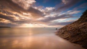 Nieżywego morza linia brzegowa obraz stock