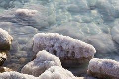 Nieżywego morza soli depozytów kamienie Zdjęcia Royalty Free