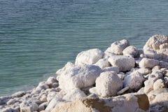 Nieżywego morza soli depozytów kamienie Fotografia Royalty Free
