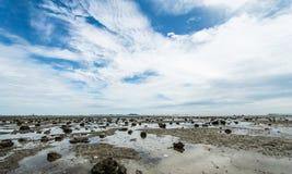 Nieba błękita bielu indygowa chmura, Głęboki niebieskie niebo Zdjęcie Stock
