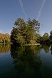 nieba drzewa woda Zdjęcie Stock