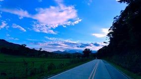 Nieba nad gospodarstwem rolnym zdjęcie stock