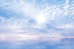 Nieba słońca morza tło Obrazy Royalty Free
