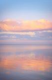 Nieba tło na zmierzchu, nadbrzeże składu projekta elementu natury raj Panoramiczny zmierzchu nieba tło Taganrog zatoka, Azov morz Obraz Royalty Free