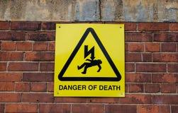 Niebezpieczeństwo śmierć znak zdjęcia stock