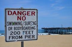 Niebezpieczeństwo Żadny dopłynięcie od molo znaka Virginia plaży Zdjęcia Royalty Free