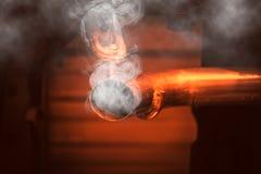 Niebezpieczeństwo samochodu dymu pojęcie Tlenek węgla obraz royalty free