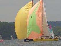 Niebezpieczna konwergencja jachty Fotografia 8 14 Minsk Zaslavskoe rezerwuaru Denna republika Białoruś zdjęcie royalty free