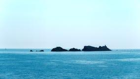 Niebezpieczne skały w Adriatyckim morzu zdjęcia royalty free
