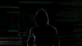 Niebezpieczny hacker w masce i czarnym kapiszonie cyber terroryzm i sieka? poj?cie, obrazy royalty free