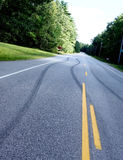 Niebezpieczny jeżdżenia i autostrady bezpieczeństwo obraz royalty free